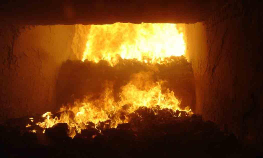 L'incinération comme si rien nétait le gabian port saint louis du rhone