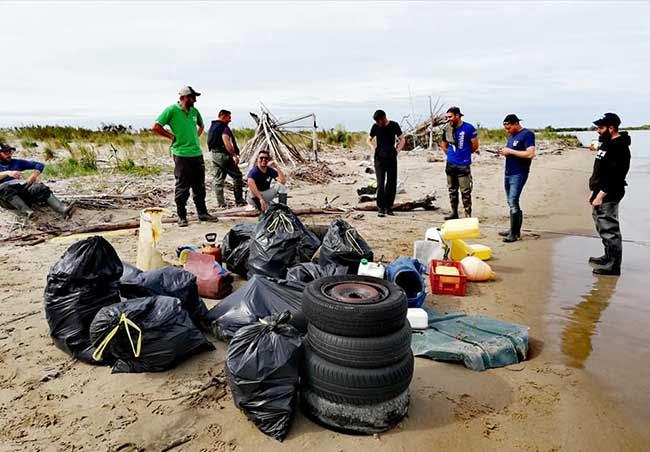 nettoyage de la plage fishing club port saint louis 2